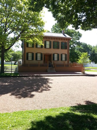 Lincoln Home National Historic Site: Sunny Morning