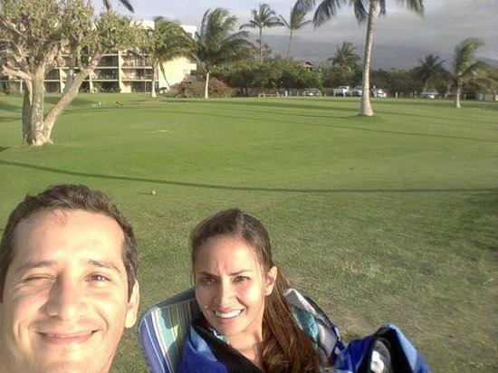 Maui Sunset Condos: Jardines junto al mar