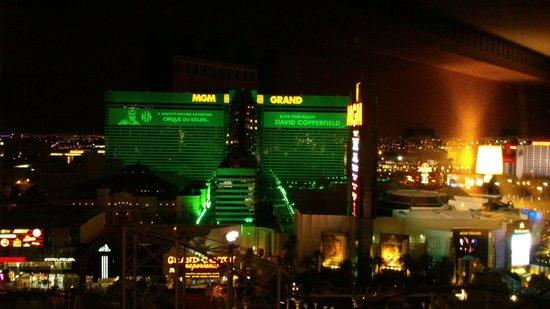 New York - New York Hotel and Casino : Vue de notre chambre la nuit