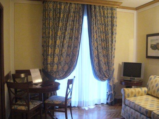 Iseo Lago Hotel: Salottino