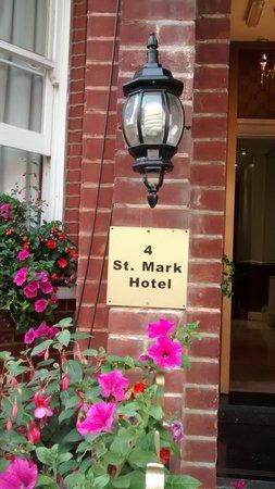 St. Mark Hotel: A fachada florida prenuncia a estada agradável.