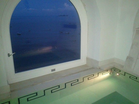 Hotel Maricanto: Bathroom view