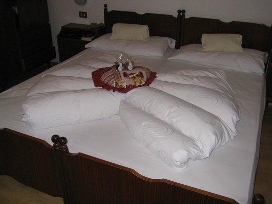 Albergo Aurora: Ecco il letto