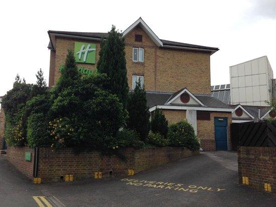 Holiday Inn London - Elstree : Hotel z zewnątrz