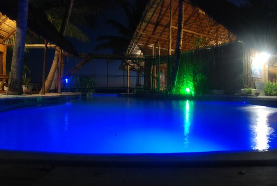 Pomene Lodge: Pool near restaurant