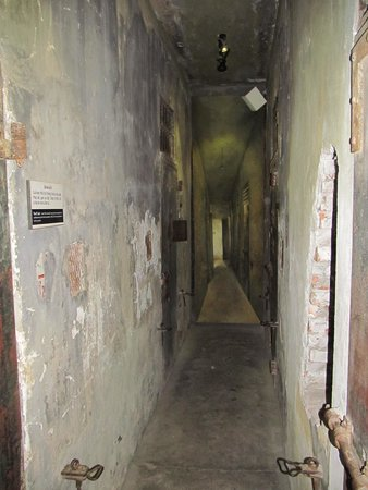 Hoa Lo Prison: Small rows of cells