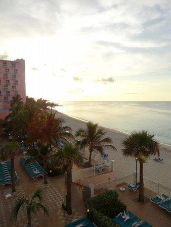 Hotel Riu Palace Paradise Island: View towards Atlantis from Room 231