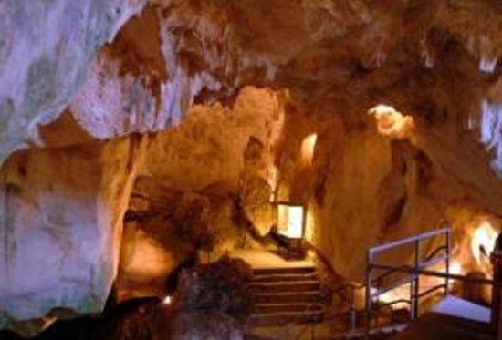 Zuheros: cueva de os muercielagos  , maravillosa , con  visita guiada