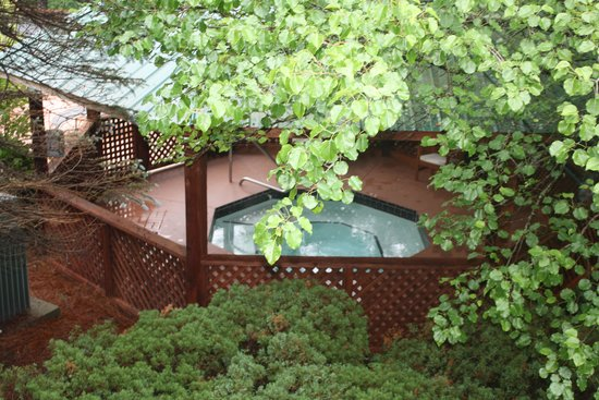 Highlands Inn Lodge : whirlpool