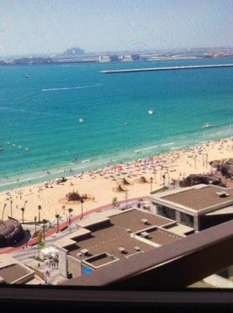 Sofitel Dubai Jumeirah Beach : overlooking the beach, room 1711