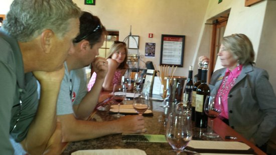 St. Francis Winery and Vineyards : she was the right person to lead us through the tastings