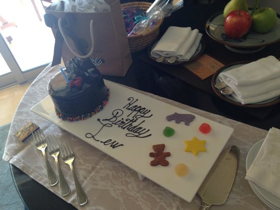 Four Seasons Resort Punta Mita : The staff found out it was baby's birthday and surprised us!