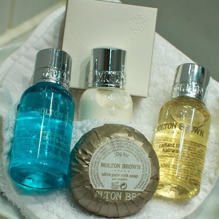 Kingsway Hall Hotel: Molton & Brown Toiletries