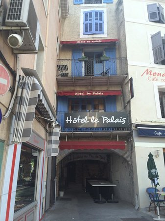 Hôtel le Palais : view from outside
