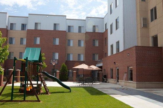 GrandStay Residential Suites Hotel - Sheboygan : Recreation Area