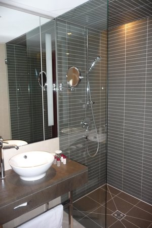andel's by Vienna House Cracow: SALLE DE BAIN