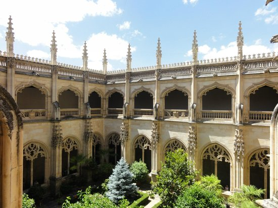 Monasterio de San Juan de los Reyes: claustro
