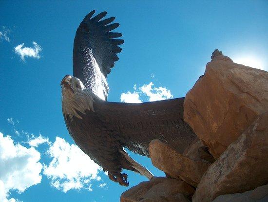 Dennis Weaver Memorial Park : Large scuptured eagle in park