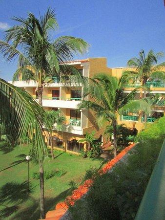 Sol Sirenas Coral Resort: Fachada Hotel
