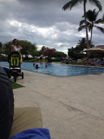 Kolea at Waikoloa Beach Resort: Pool in kolea. Towels provided