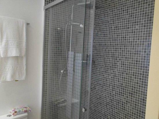 ALEGRIA Maripins : Shower room