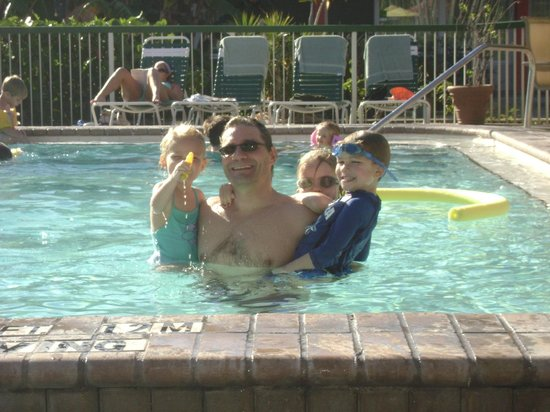 Wyndham Garden Fort Myers Beach: Love the warm pool