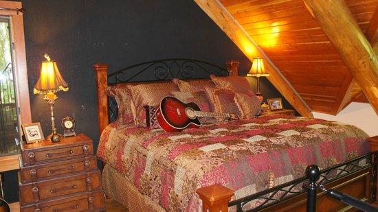 Fontanel Mansion: Bedroom