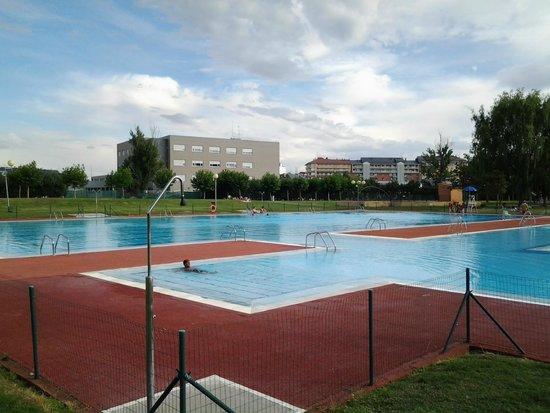 vista de las piscinas fotograf a de centro deportivo la