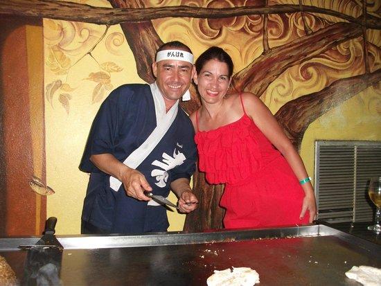 Hotel Playa Costa Verde: restaurant japonais avec Charly