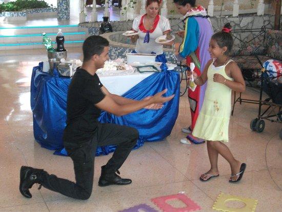 Hotel Playa Costa Verde: animation magicien pour enfants au lobby