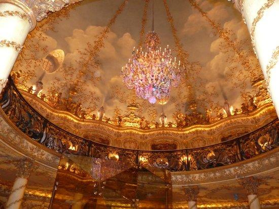 Turandot : Ceiling from upstairs balcony