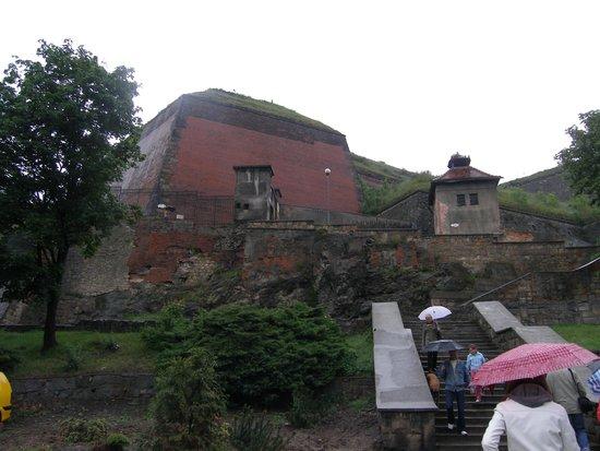 Fortress Klodzko (Twierdza Klodzko): Twierdza Kłodzko - widok przed wejściem