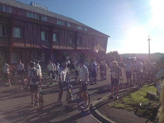 Hotel Le St Aubin: Our cycling group
