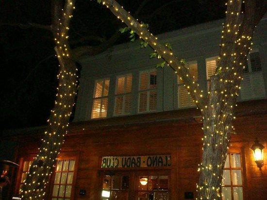 Badu House Wine Bar & Accommodations: our room upstairs