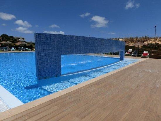Vila Baleira Porto Santo: As piscinas exteriores