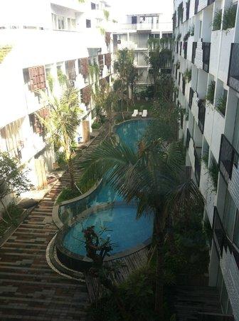 The Akmani Legian : pool area