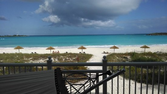 Sandals Emerald Bay Golf, Tennis and Spa Resort : Hammock on the balcony, overlooking beach and water