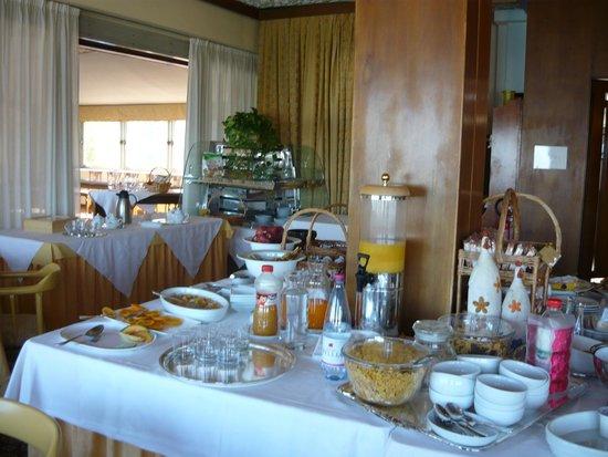 Grand Hotel Palace - Ancona: Breakfast room
