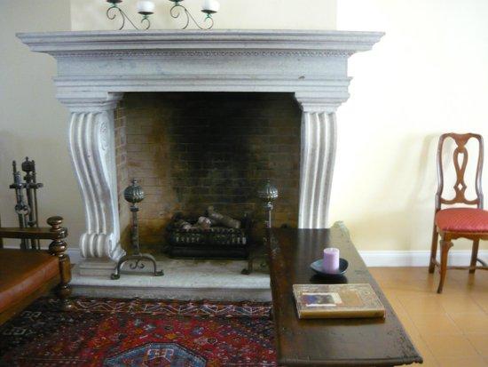 Grand Hotel Palace - Ancona: Fireplace