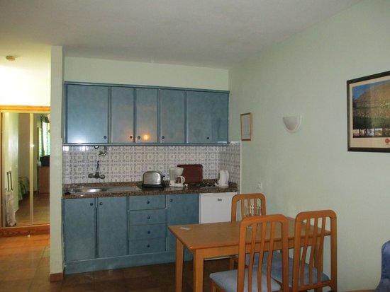 Paraiso del Sol Apartments : Кухня.