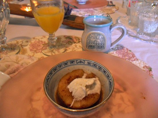 The Gables Wine Country Inn: The Gables breakfast, Sonoma Valley