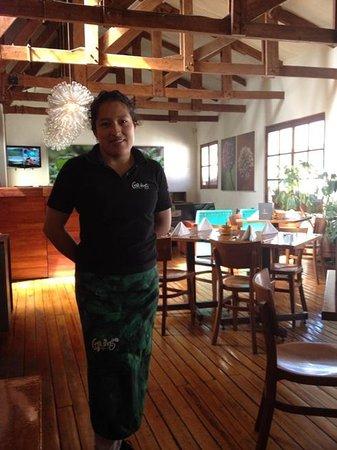 Greens Organic: Señora Mery im freundlichen Restaurant