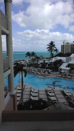 Sandals Royal Bahamian Spa Resort & Offshore Island: Overlooking pool and water from balcony