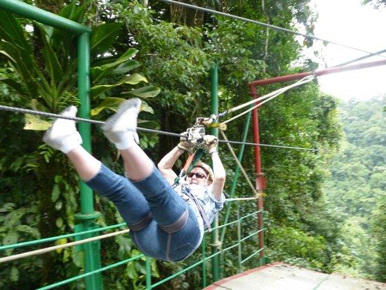Costa Rica Sky Adventures - Arenal Park: Correct Form for Landing