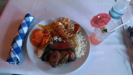 Sandals Royal Bahamian Spa Resort & Offshore Island: Lunch!