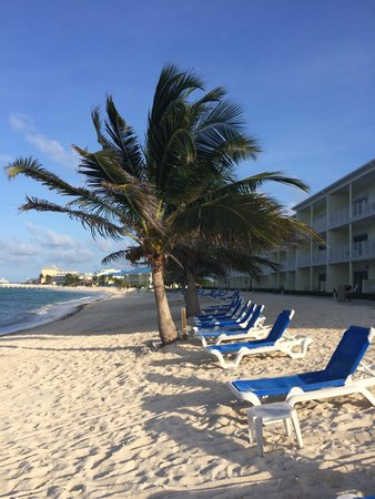 Wyndham Reef Resort: Hotel Beach