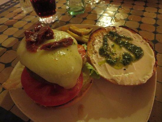 La Cayena: panino hamburger aperto