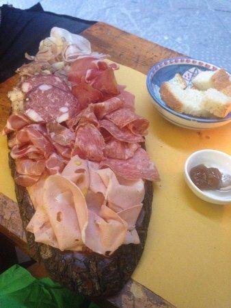 Cacio Vino Trallallà : Amazing Salami!