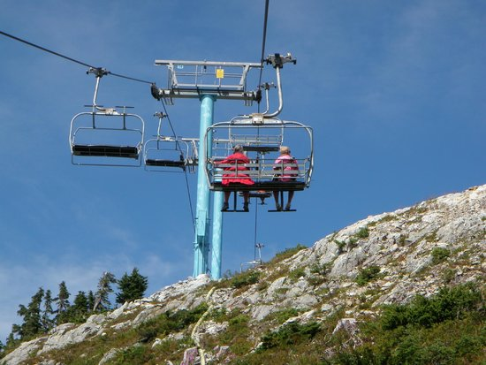 Mount Washington Resort Mile High Chairlift: View up the chair halfway to top
