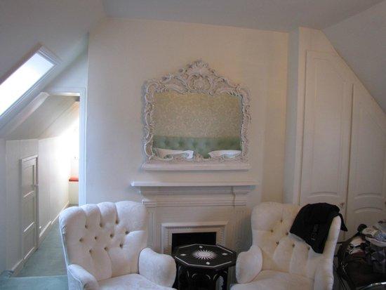 Tasburgh House Hotel Ltd: austen room